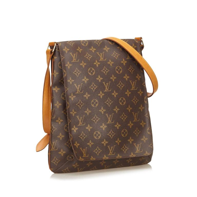 The Musette Salsa Features A Monogram Canvas Body An Adjule Shoulder Strap With Belt Details