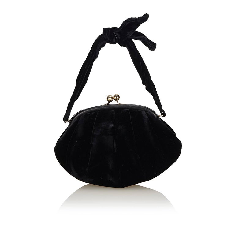 Chanel Black Velour Handbag In Good Condition For Sale In Orlando, FL