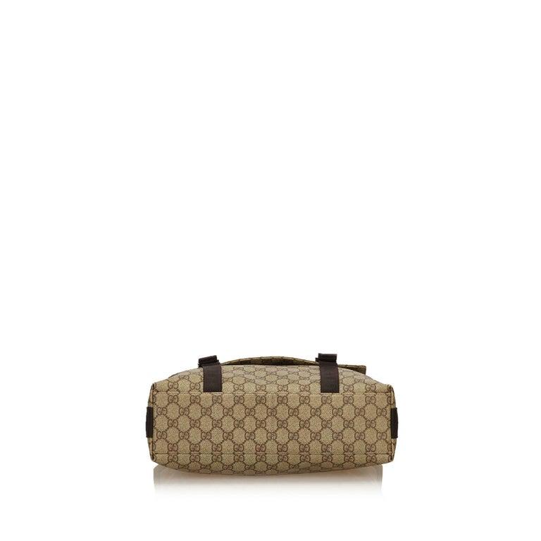 90bc57938ae Women s or Men s Gucci Brown x Beige Guccissima Canvas Crossbody Bag For  Sale