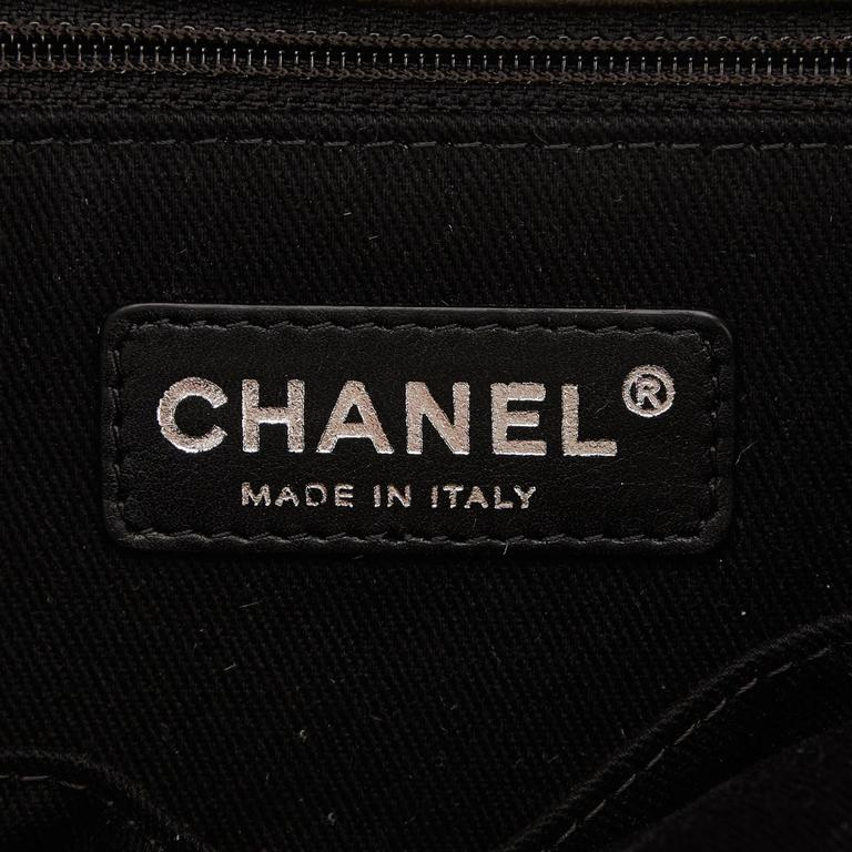 Chanel Dark Green Patent Leather Tote Bag 6