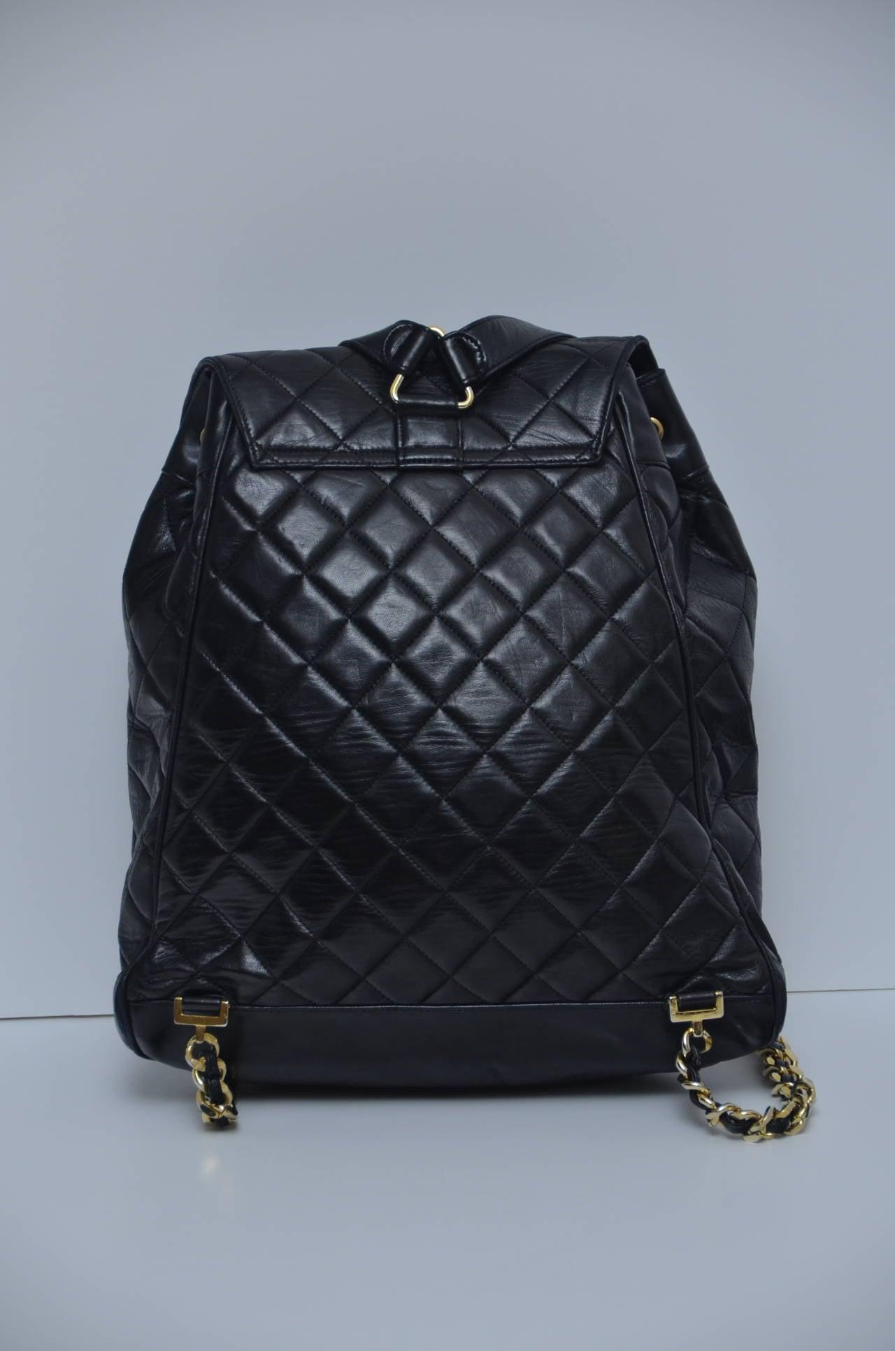 CHANEL Large Size Backpack Vintage 4