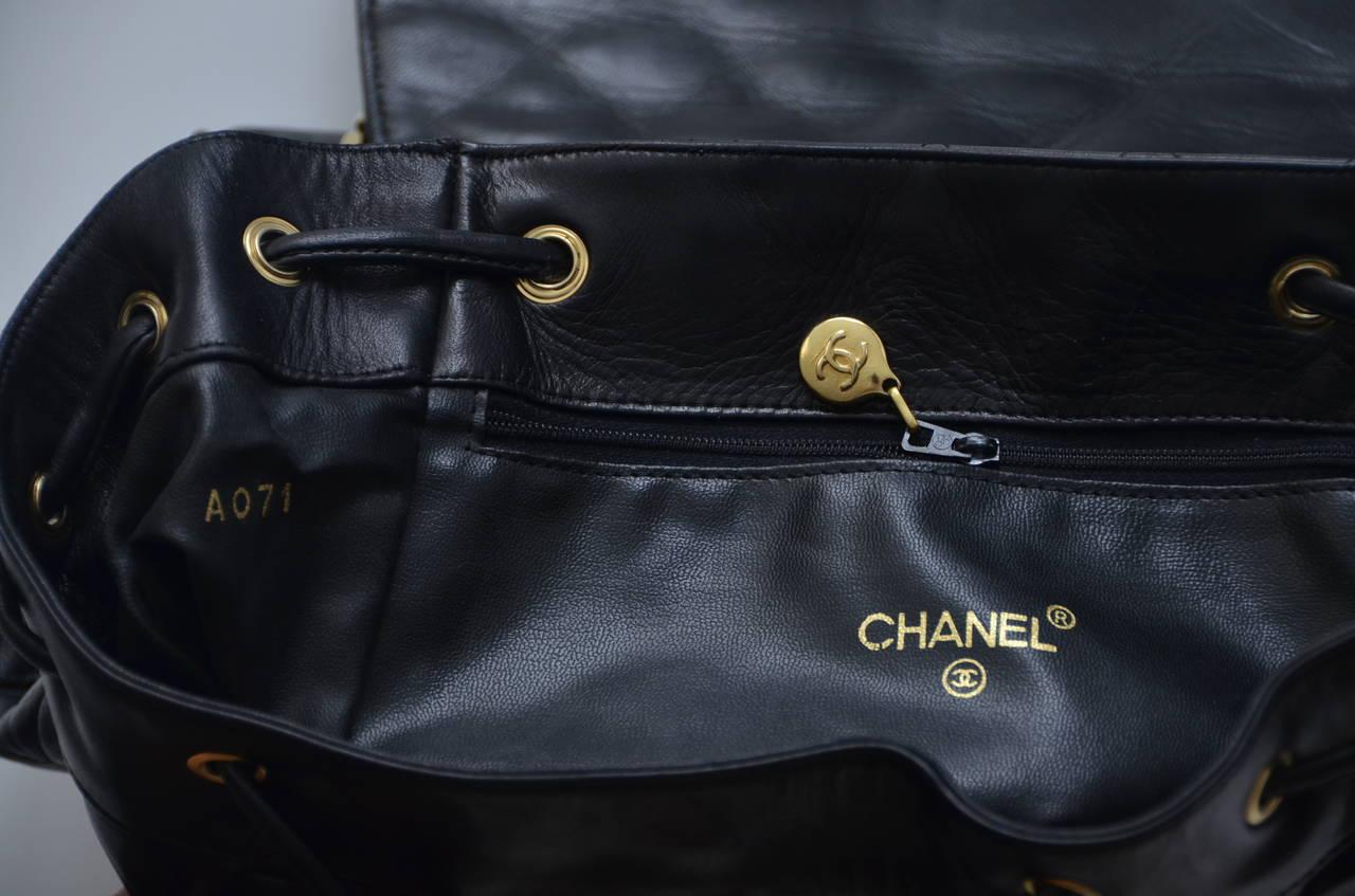 CHANEL Large Size Backpack Vintage 10