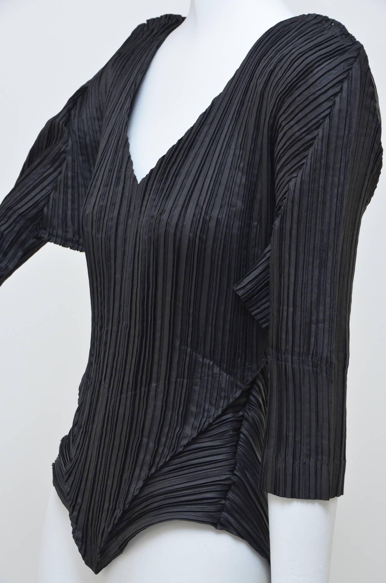 Women's Issey Miyake  Origami Pleat  Top With Tails 1989 For Sale