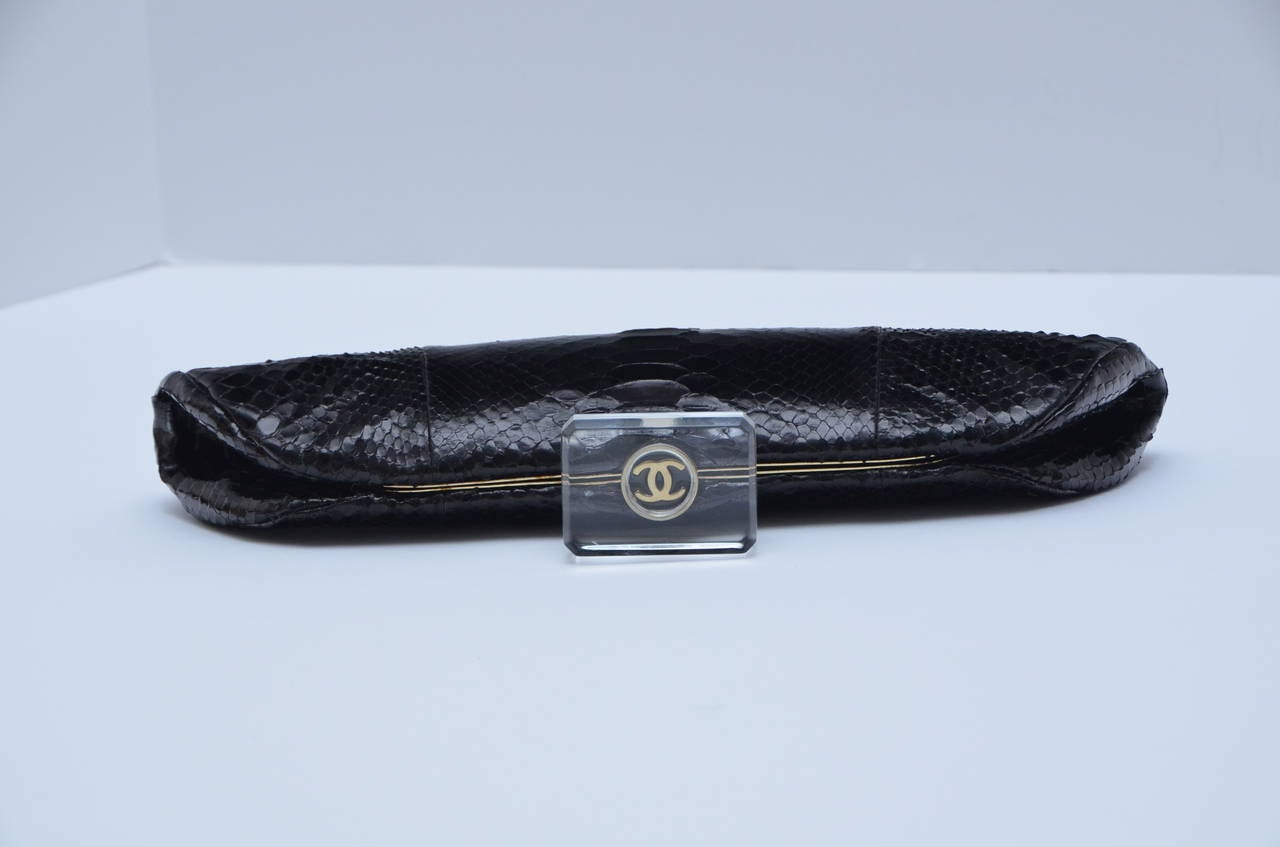 "CHANEL Snakeskin  ""LIPS""  Clutch Bag  Mint 2"
