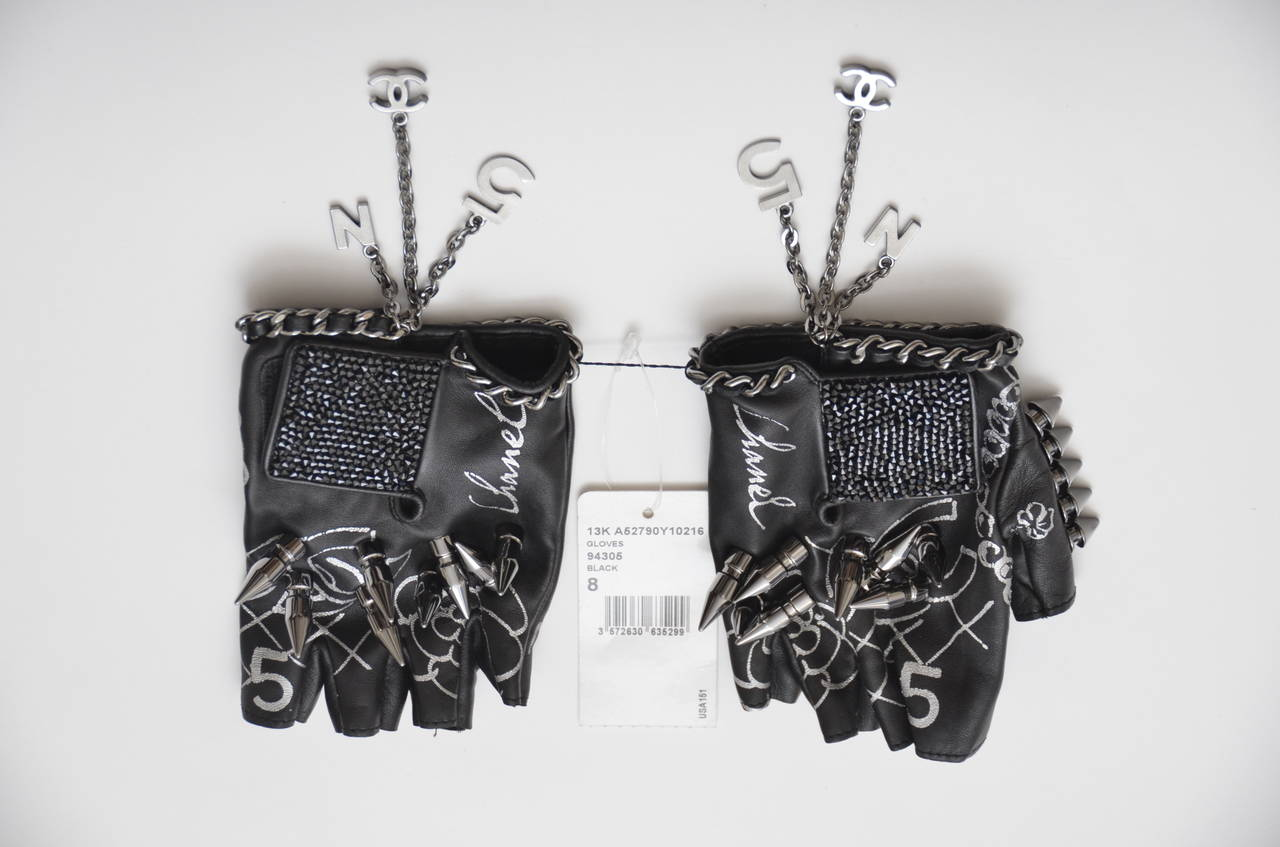 "Chanel Runway  Lambskin Gloves  ""THE LITTLE BLACK GLOVES""  NEW In New never worn Condition For Sale In Hollywood, FL"