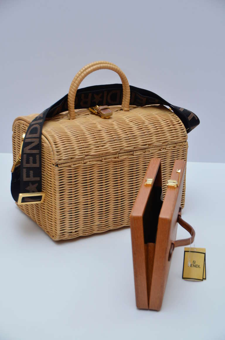 Women's Fendi Straw Wicker Handbag With Leather Case NEW For Sale