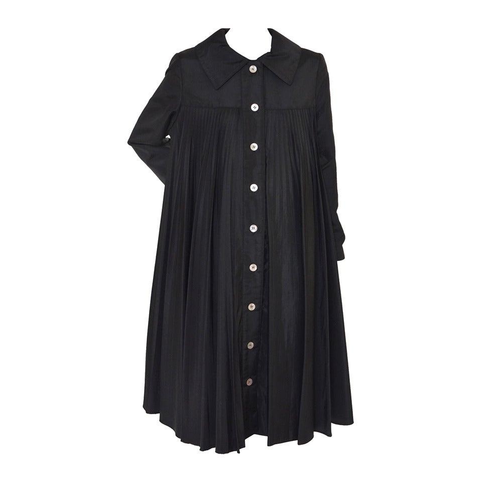 Oscar De La Renta Black  Pleated Swing Coat      1960's For Sale
