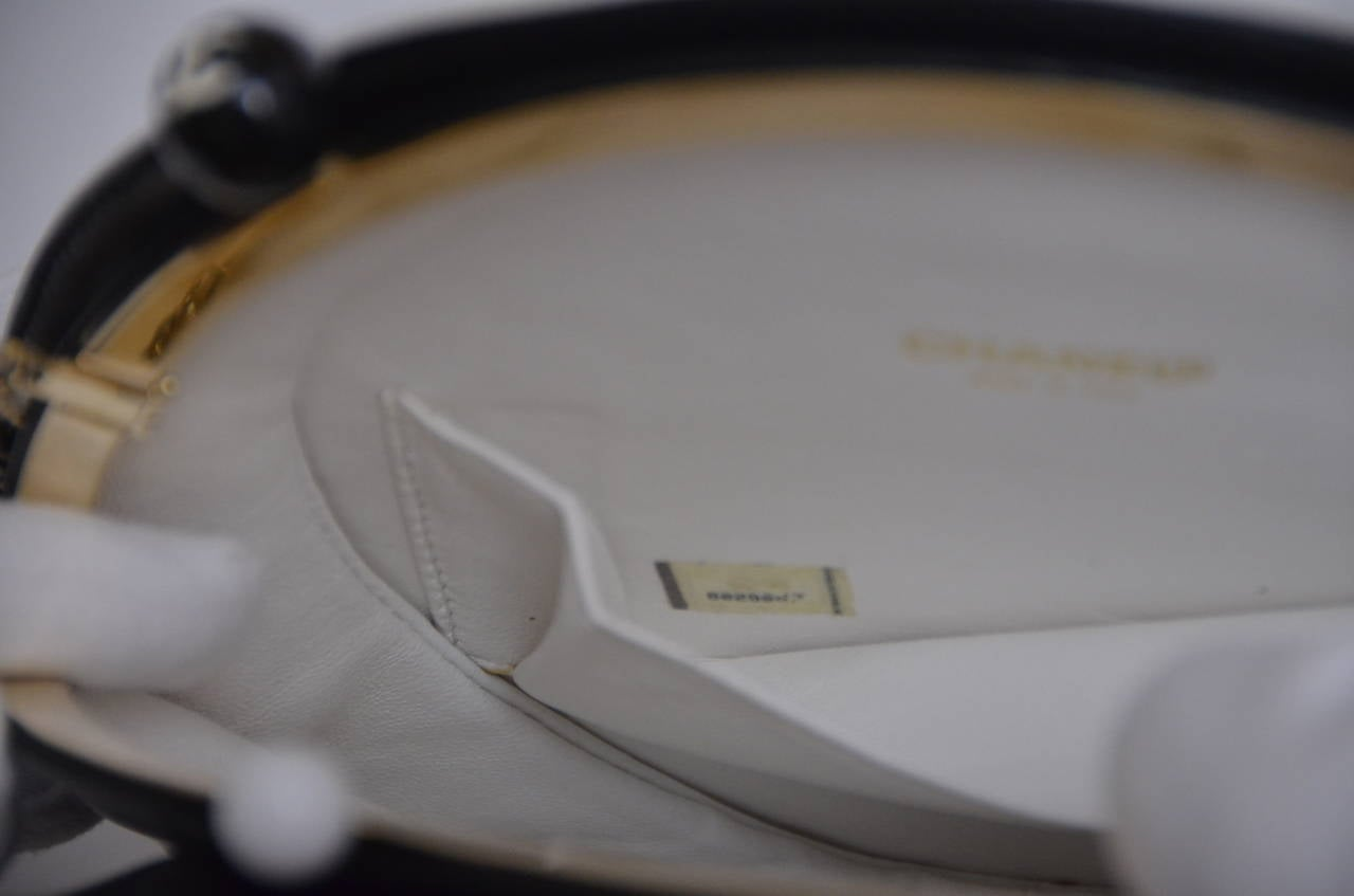 Chanel Rare Circle Vintage Handbag  Mint 3