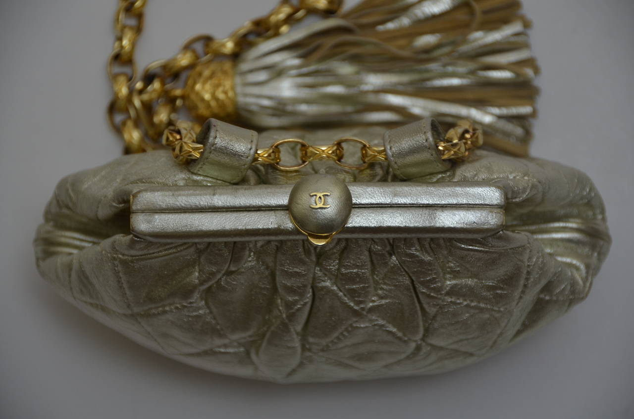 Chanel Vintage Waist Evening  Bag Clutch With Tassel In Excellent Condition For Sale In Hollywood, FL