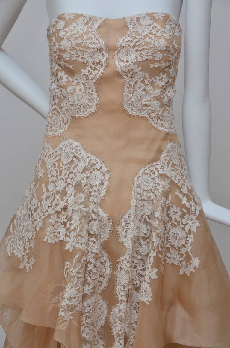 Stunning Alexander McQueen Lace and Organza Strapless Gown New In New Never_worn Condition For Sale In Hollywood, FL