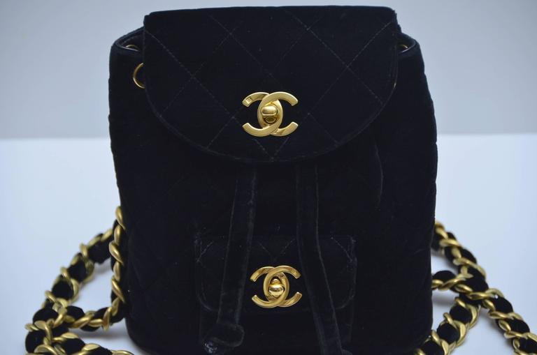 CHANEL Super Rare  Mini Velvet Backpack 1990's MINT  For Sale 4