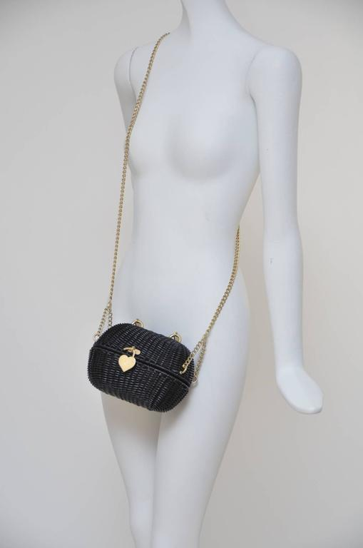 Chanel Black Straw Heart  Closure  Handbag  Mint   Vintage In Excellent Condition For Sale In Hollywood, FL