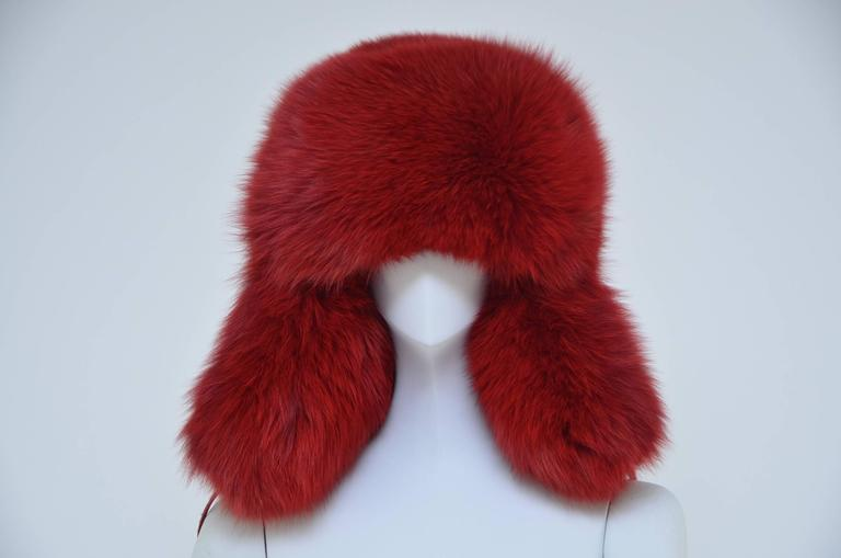 Marc Jacobs fox fur hat .