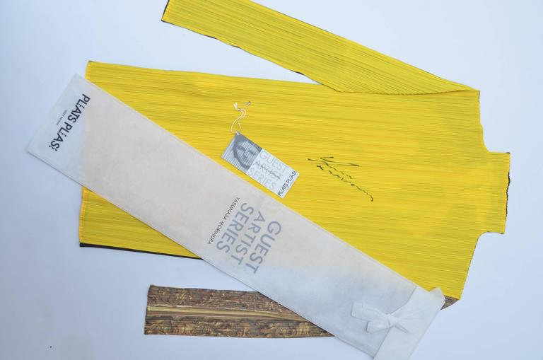 Autographed ISSEY MIYAKE Guest Artist Series No.1 Yasumasa Morimura  Top 1996 For Sale 3