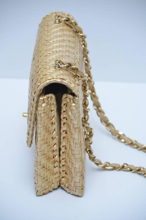 CHANEL Natural Straw Flap Handbag NEW In New Never_worn Condition For Sale In Hollywood, FL