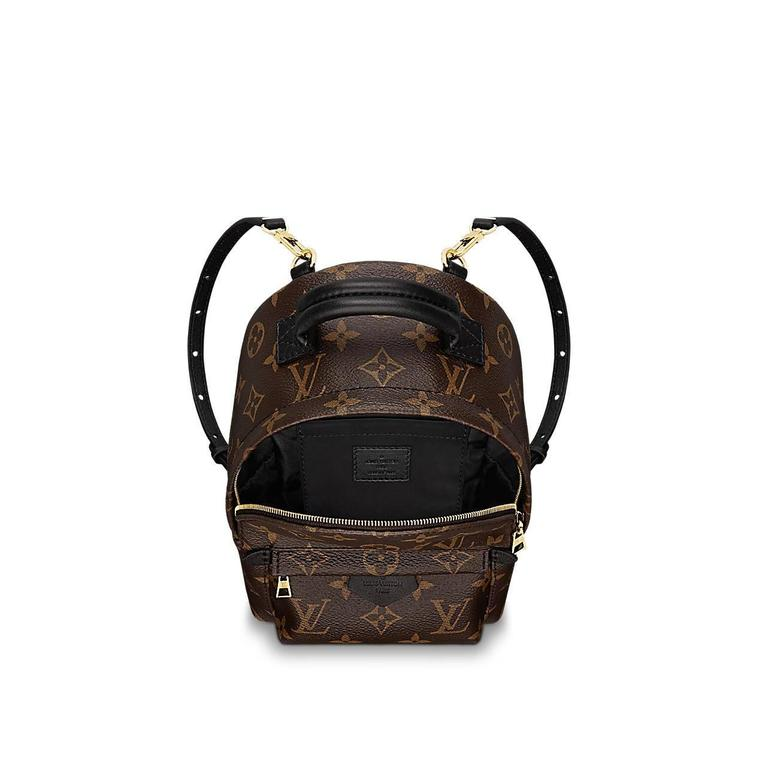Nicolas Ghesquière gave a surprising twist to the backpack, turning a utilitarian staple into this trendy and oh-so-covetable city bag. 