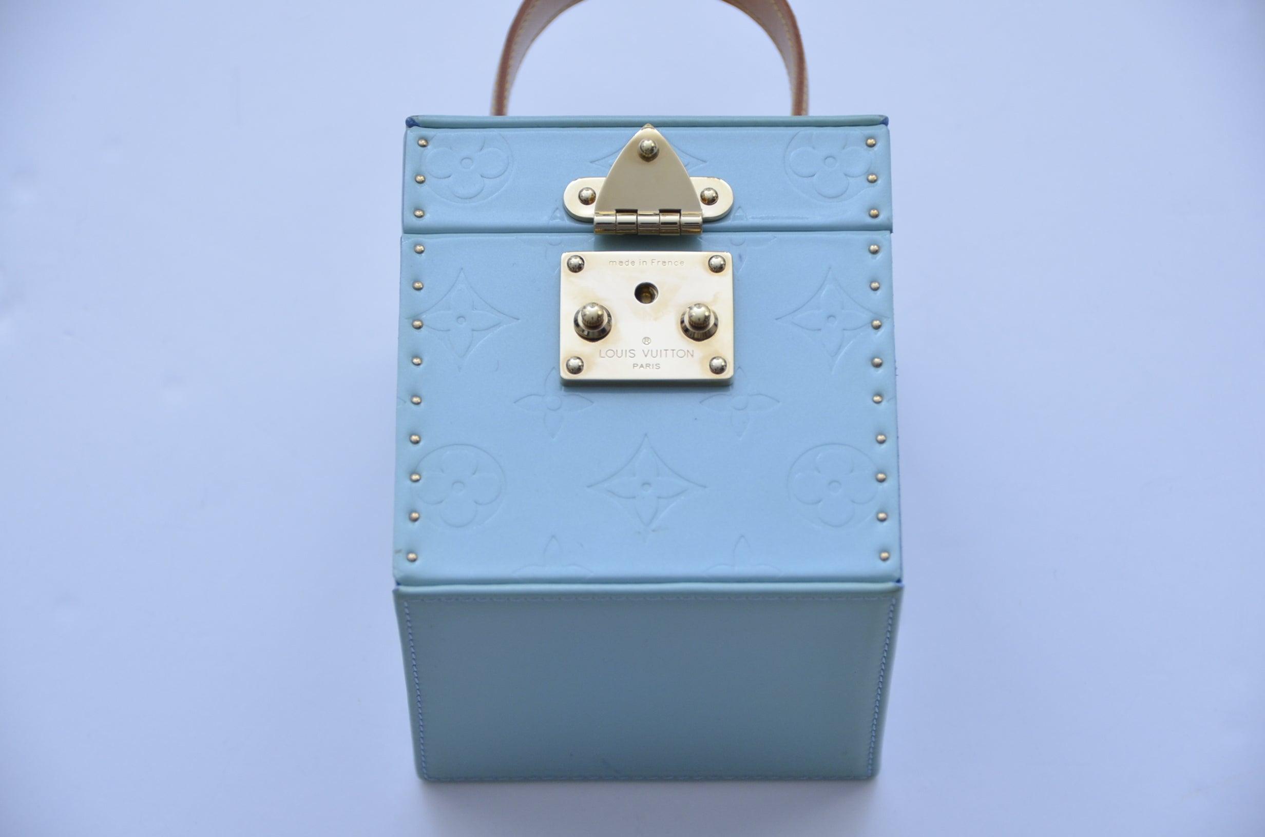 e5611dfb Louis Vuitton Vernis Bleecker Mini Trunk Clutch Box Mini Bag