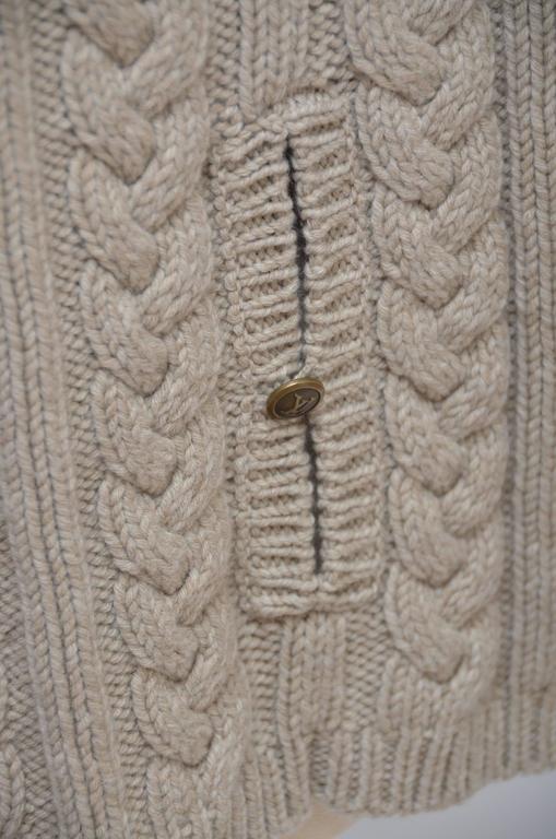 Women's or Men's Louis Vuitton Wool Cape Cable Knit Poncho Mint Size M For Sale