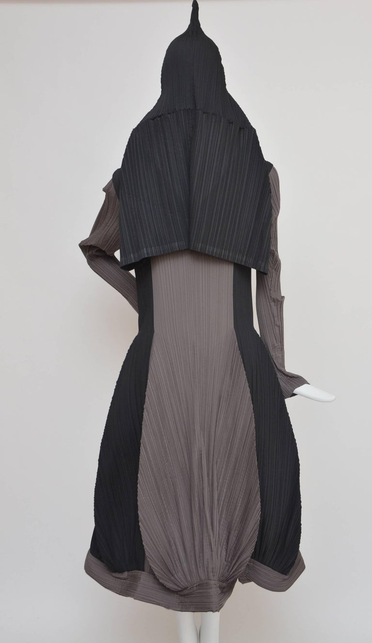 Issey Miyake Bi-Color Vintage Dress   In Excellent Condition For Sale In Hollywood, FL