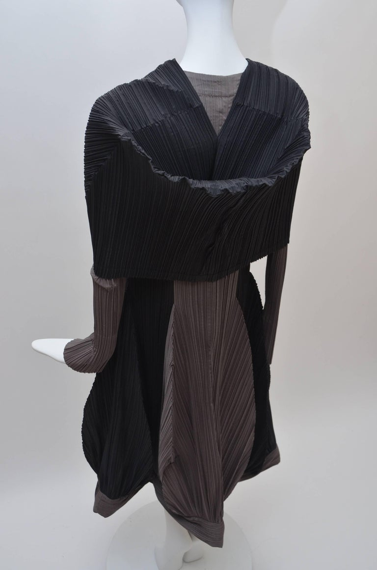 Issey Miyake Bi-Color Vintage Dress   For Sale 1