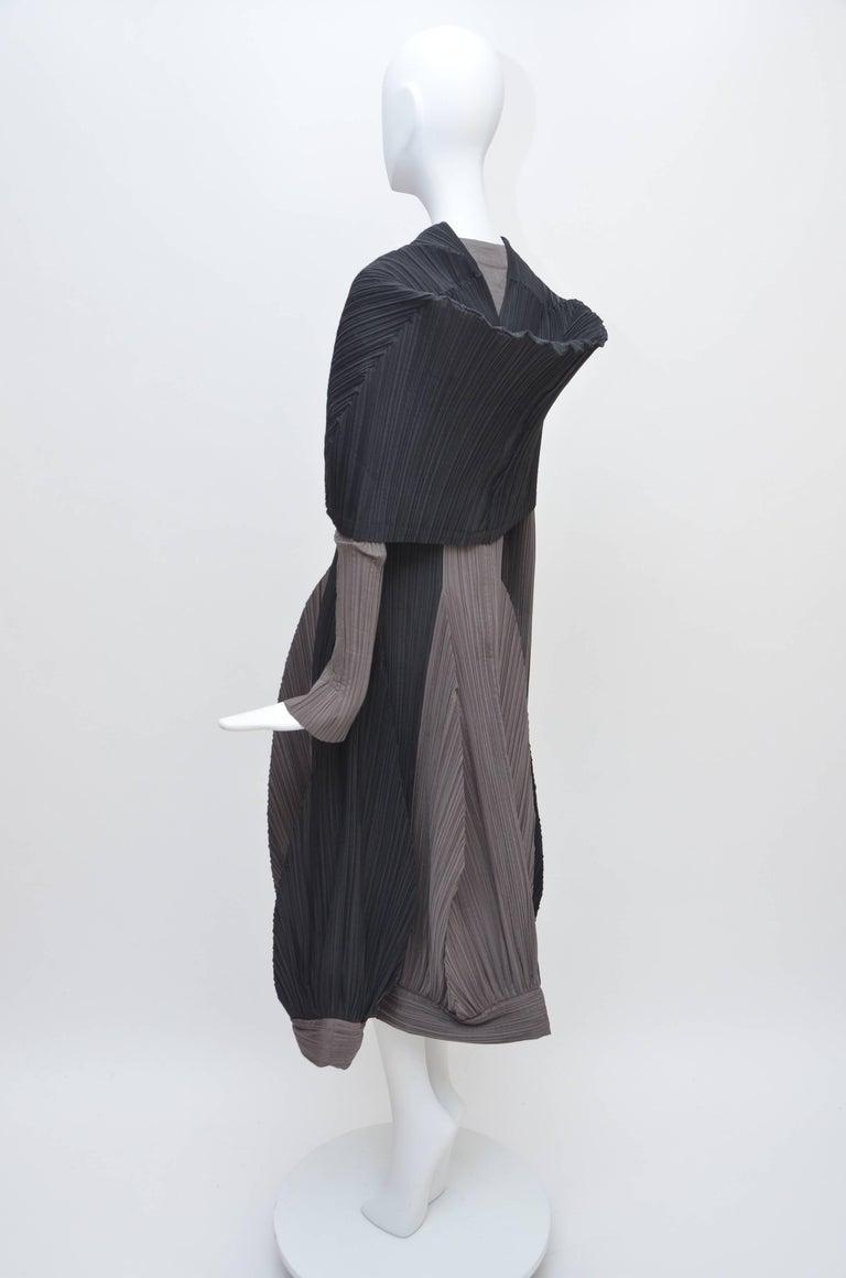 Issey Miyake Bi-Color Vintage Dress   For Sale 2