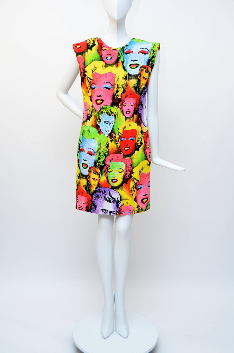 Versace Pop Art Mini  Dress 2018  Tribute To  Spring / Summer 1991  In New Never_worn Condition For Sale In Hollywood, FL