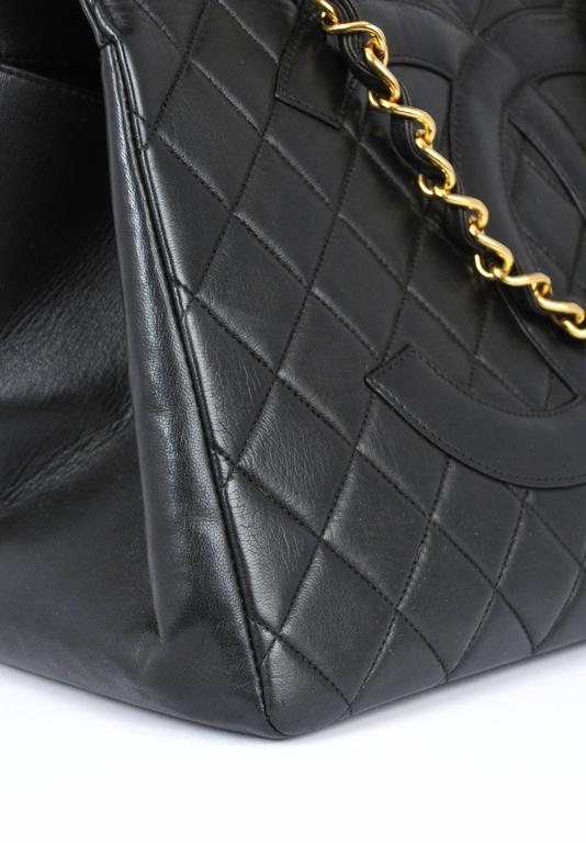 Chanel Black Leather Quilted CC Purse For Sale 1