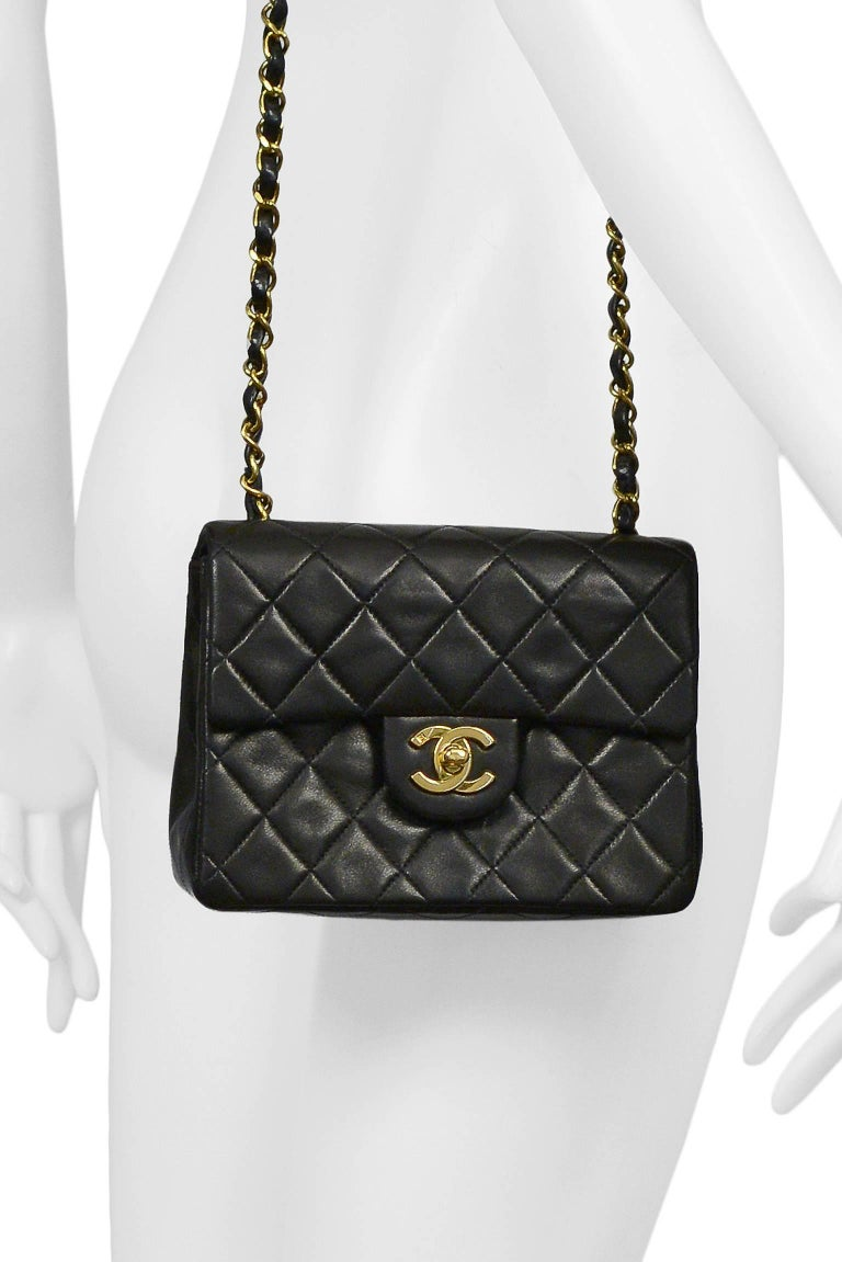 9ab385a135f6 Vintage Chanel Classic Mini Quilted Black Leather Shoulder Bag For Sale at  1stdibs