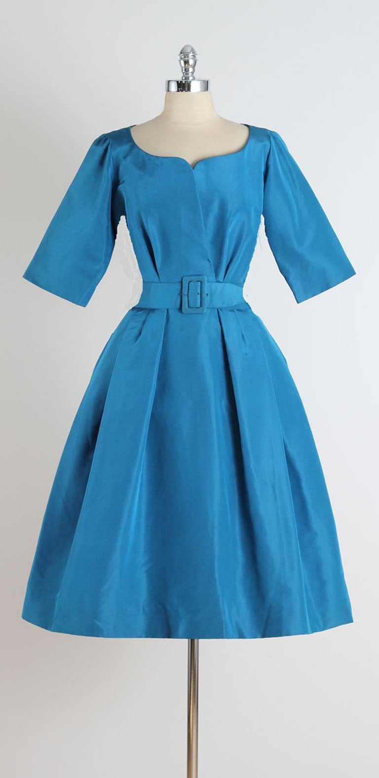 1950 39 s christian dior silk taffeta new look dress at 1stdibs for Dior couture dress price