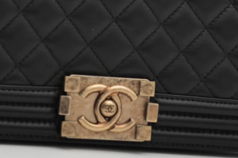 Chanel Old Medium Flap Bag Quilted Leather For Sale 1