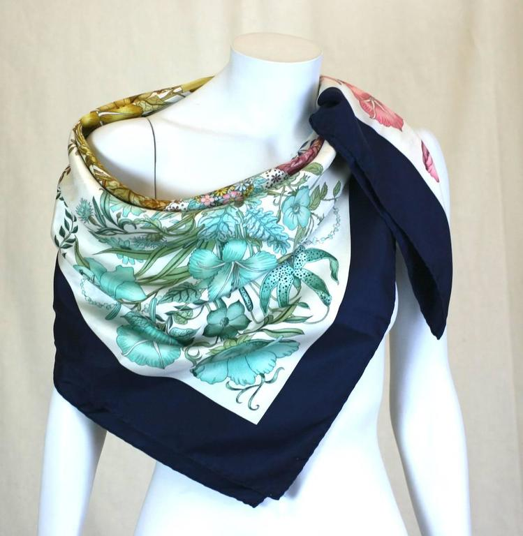 Gucci Floral Bouquet Scarf In Excellent Condition For Sale In Riverdale, NY