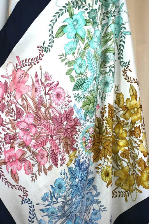 Women's Gucci Floral Bouquet Scarf For Sale