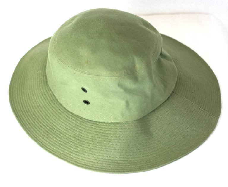 Yves Saint Laurent Green Twill Fisherman's Hat In New never worn Condition For Sale In Riverdale, NY