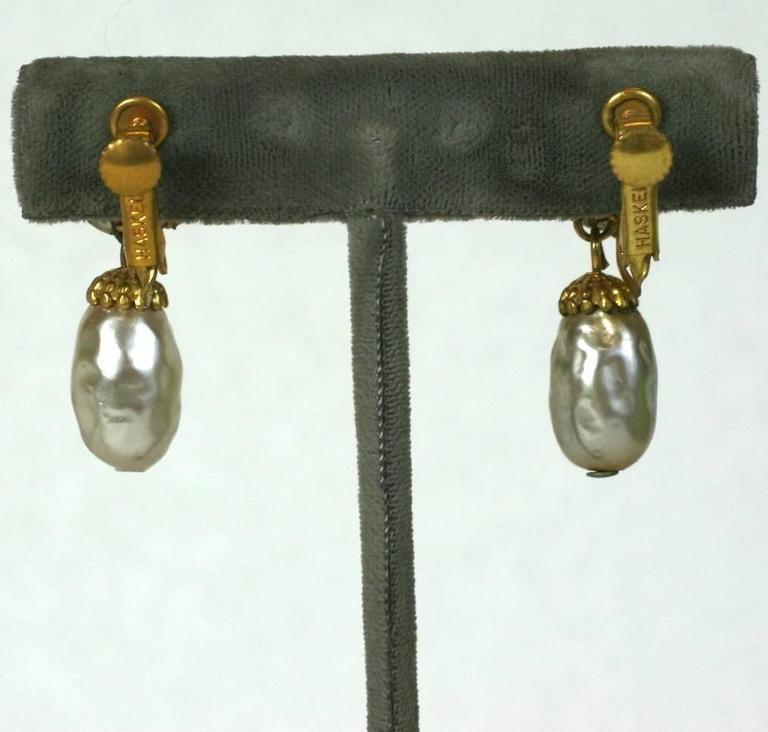 Miriam Haskell Pearl and Gilt Pendant Earclips In Excellent Condition For Sale In Riverdale, NY