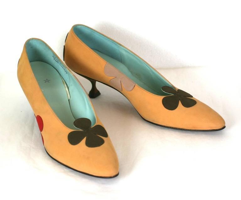 b5a2ee66319 Brown Charming Floral Applique Kitten Heel Pumps