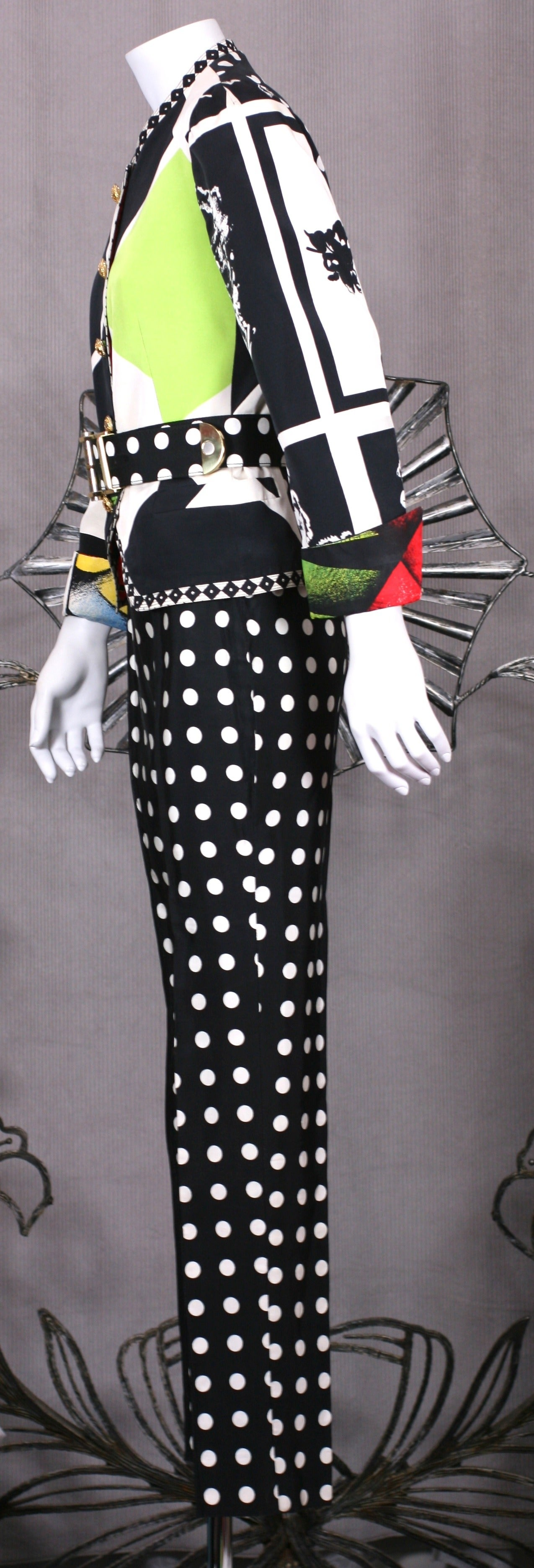 Versace Black and White Graphic Suit In Good Condition For Sale In Riverdale, NY
