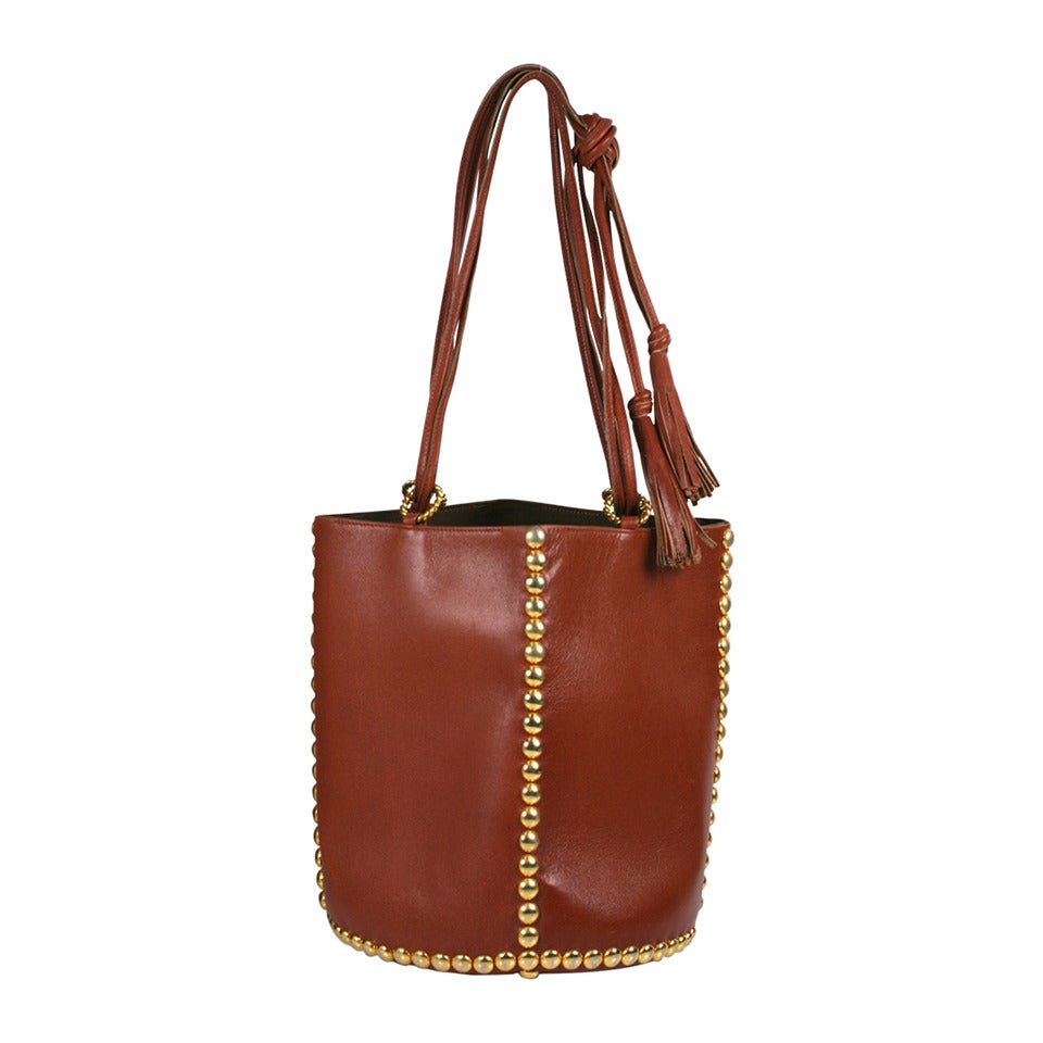 Bucket Bags Sale: Save Up to 70% Off! Shop private-dev.tk's huge selection of Bucket Bags - Over 40 styles available. FREE Shipping & Exchanges, and a % price guarantee!
