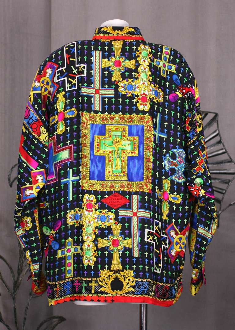 5a5ce318 Gianni Versace Couture Barocco Crucifix Silk Print Mens Shirt In New  Condition For Sale In Riverdale