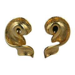 Modernist Gold Twist Earclips