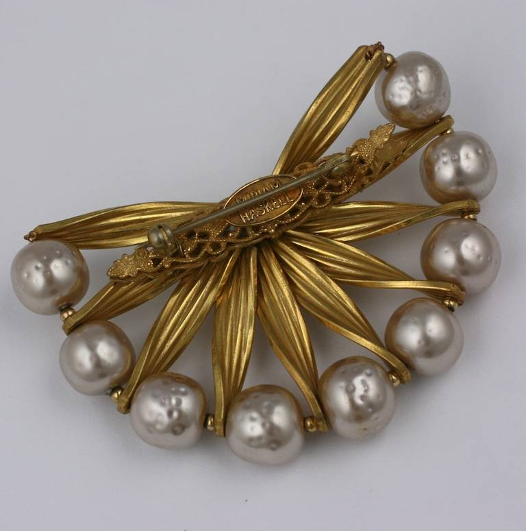 Miriam Haskell Pearl and Gold Brooch In Excellent Condition For Sale In Riverdale, NY