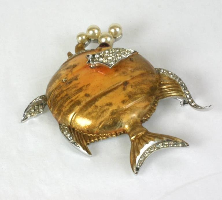 Trifari Gilt Angelfish with Pearl Bubbles In Excellent Condition For Sale In Riverdale, NY