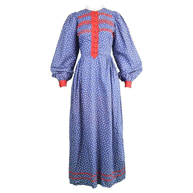 Mary Quant Blue & Red Peasant Dress with Ditsy Floral Print, 1970s 1