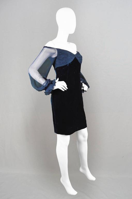 Black Valentino A/W 1991 Midnight Blue Velvet & Silk Chiffon Boutique Cocktail Dress For Sale