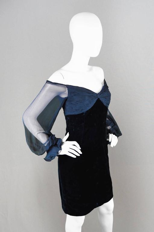 Valentino A/W 1991 Midnight Blue Velvet & Silk Chiffon Boutique Cocktail Dress For Sale 1