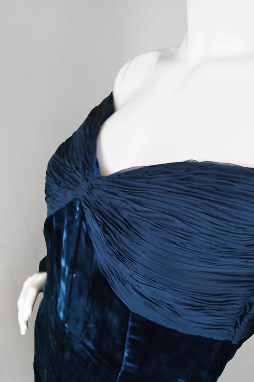 Women's Valentino A/W 1991 Midnight Blue Velvet & Silk Chiffon Boutique Cocktail Dress For Sale