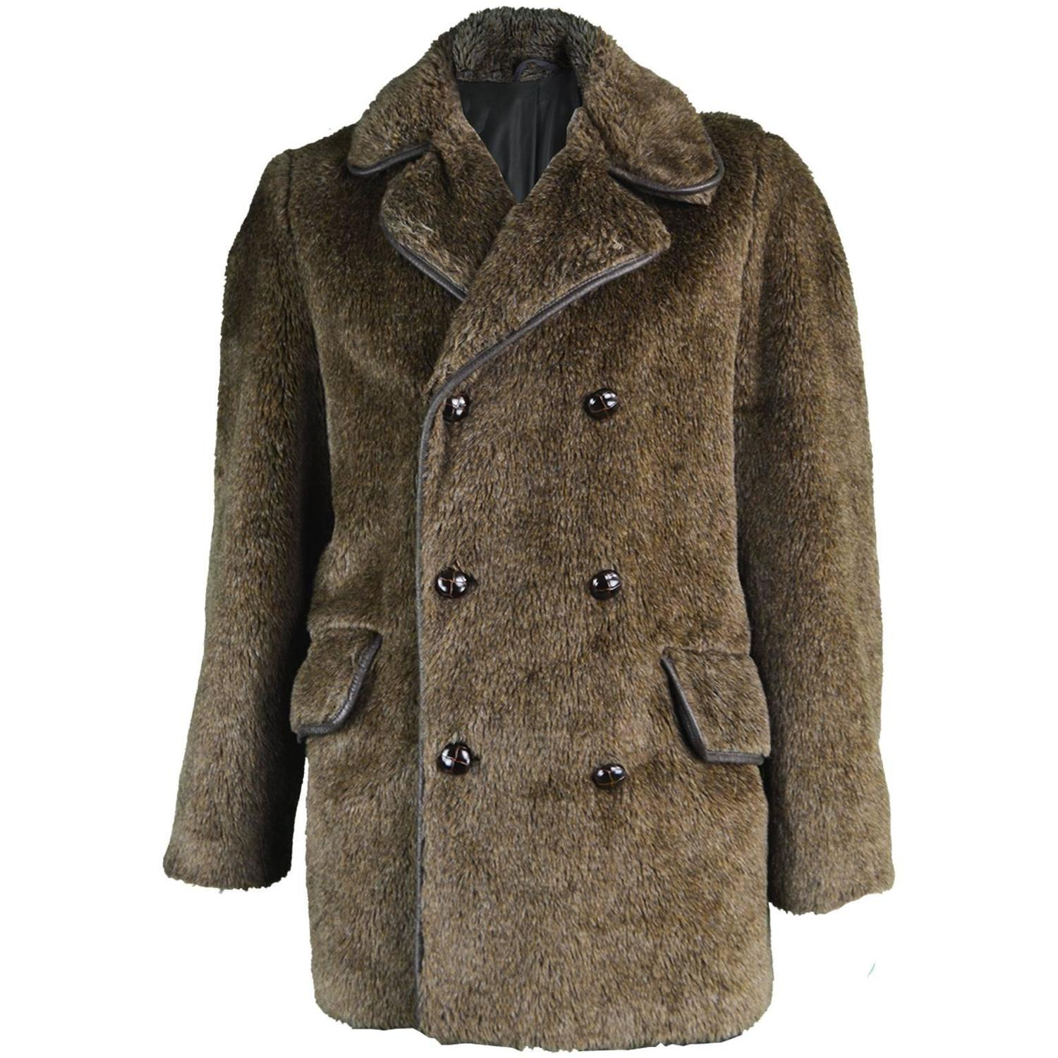 Faux fur coats for men that are catalogued here are made out for best quality, high fashion and great look. Mens who wish to wear a faux fur coat that will last long and face the worst climates can opt for a faux fur coat from MensUSA.