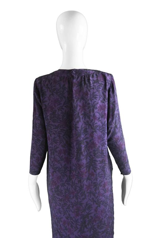 Hanae Mori Purple Vintage Hibiscus Print Simple Silk Shift Dress, 1980s For Sale 2