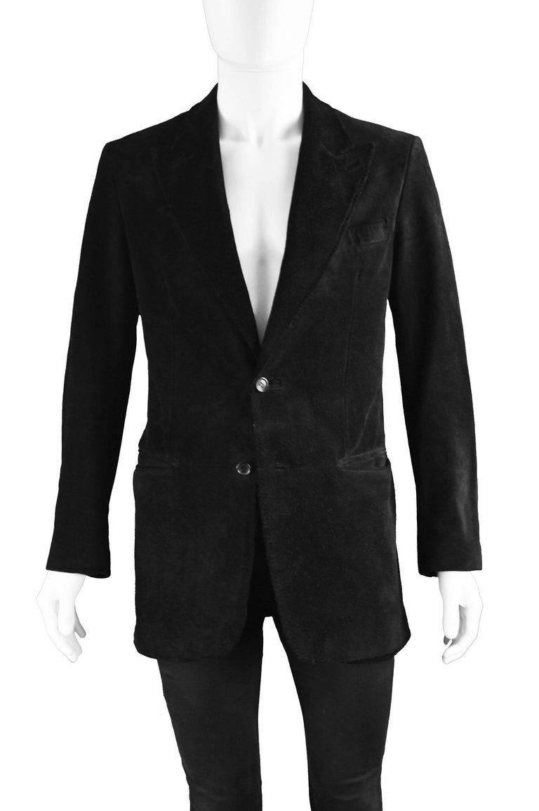 Tom Ford for Gucci Men's Black Suede Blazer with Peaked Lapels, A/W 2002 In Excellent Condition For Sale In Doncaster, South Yorkshire