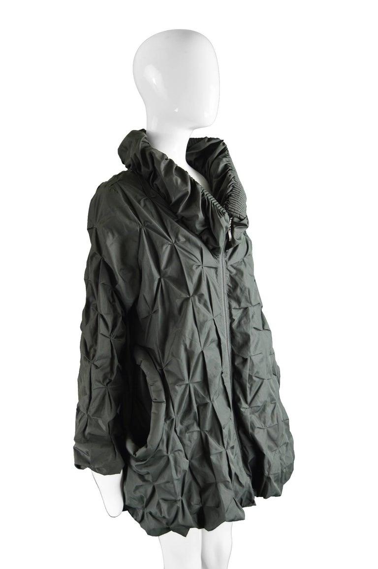 Women's Lanvin Avant Garde Grey Geometric Pleated Oversized Jacket, Spring 2008 For Sale