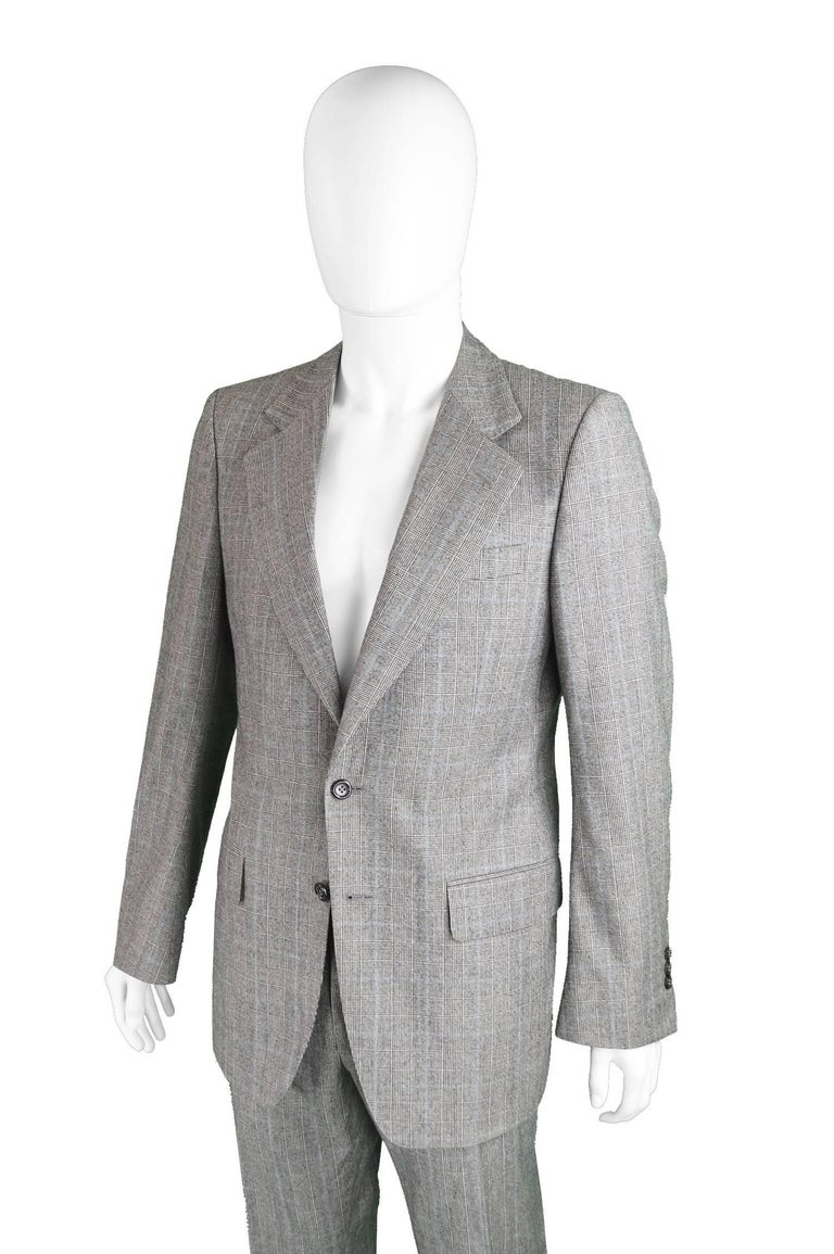 Yves Saint Laurent Men's Gray Wool Prince of Wales Check 2 Piece Suit In Excellent Condition For Sale In Doncaster, GB